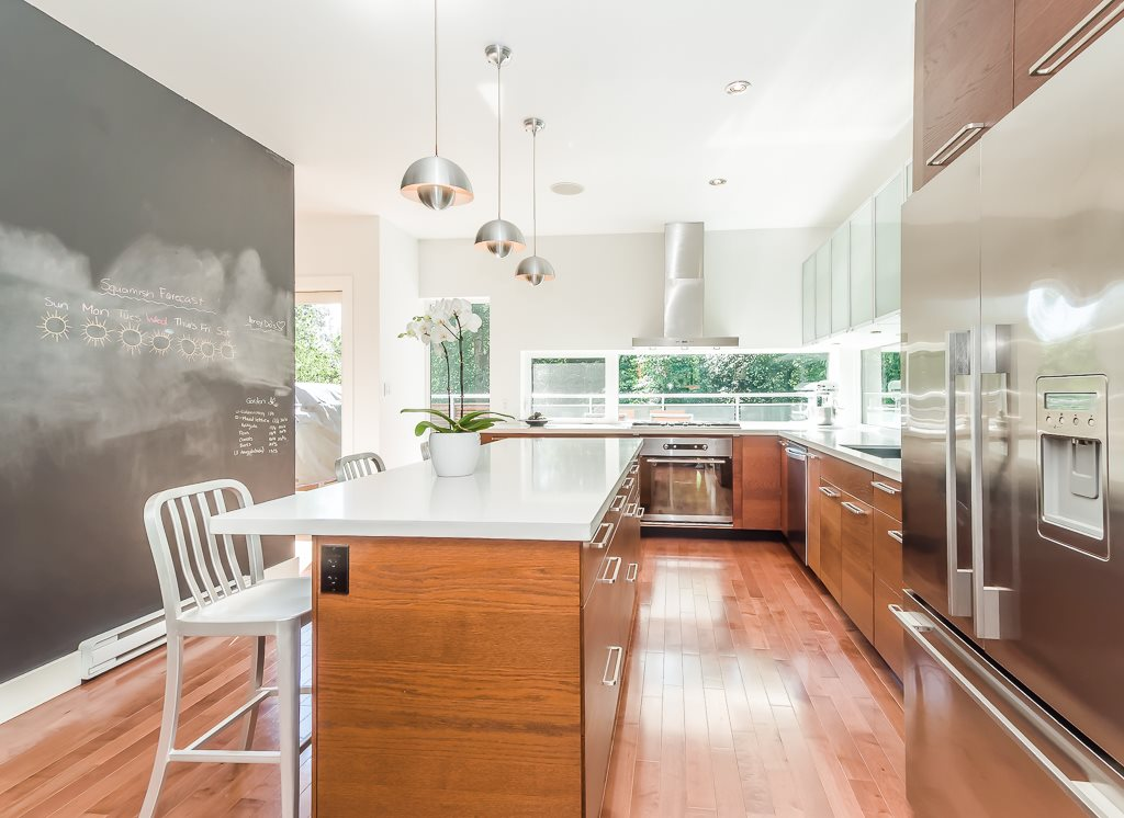 Awesome real estate listing photos - 63-40137 government road
