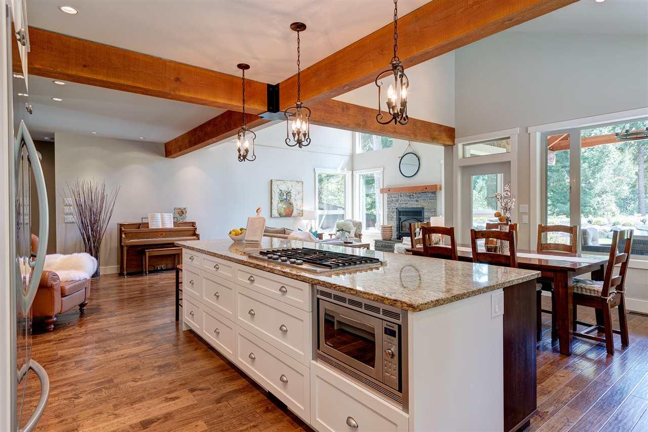 Awesome real estate listing photos - 1044 cedar grove lane