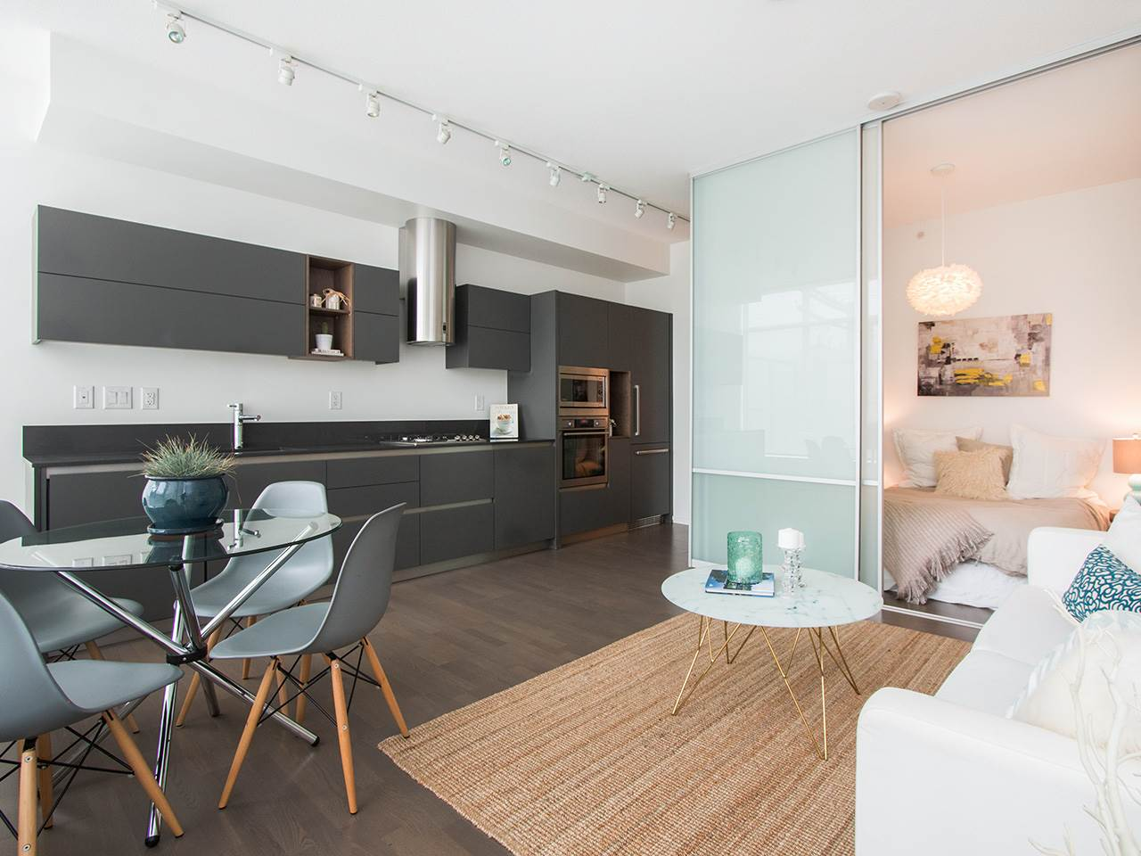 Awesome real estate listing photos - 201-133 e 8th ave
