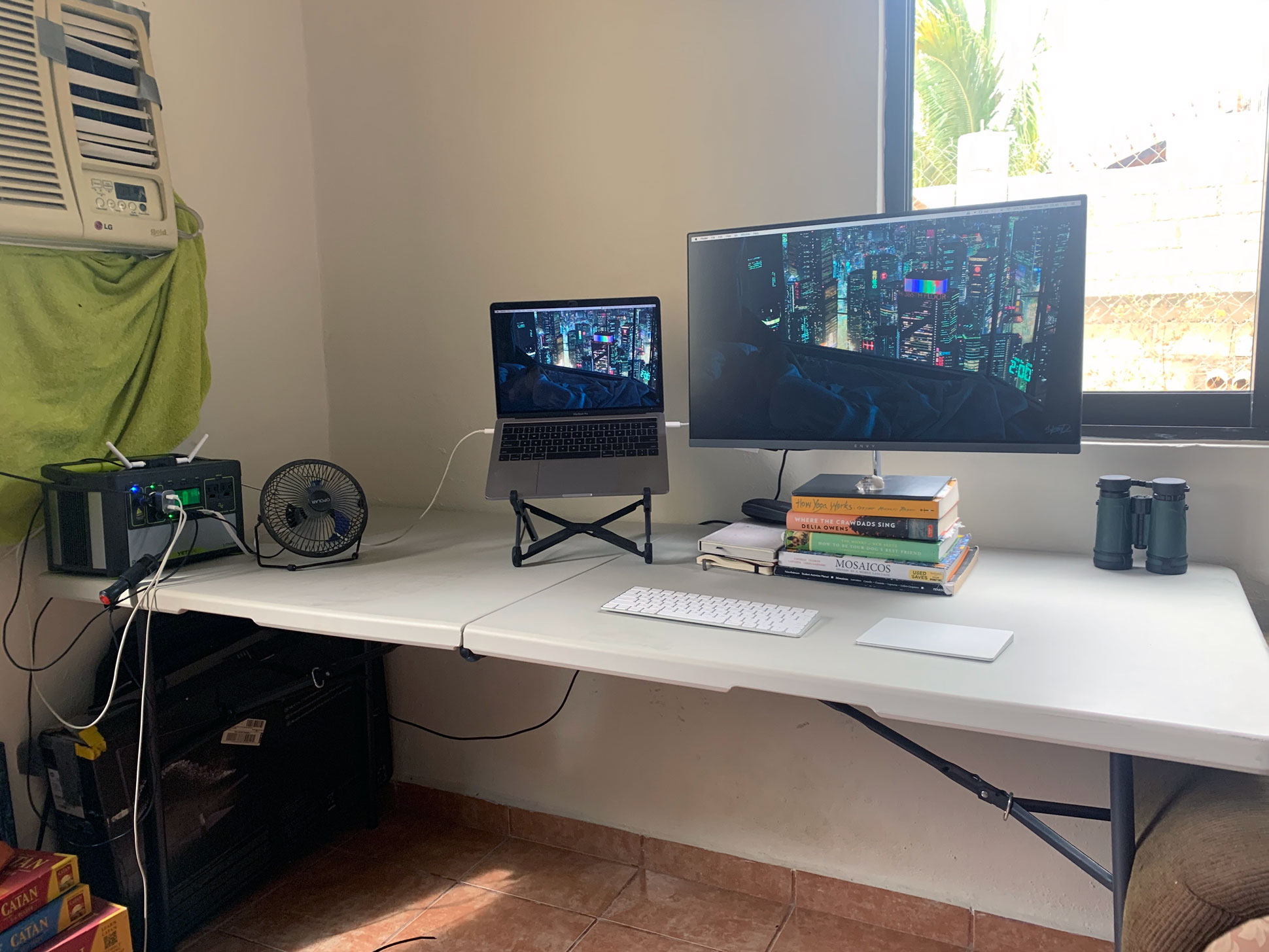 Casimir Loeber from RealtyNinja - home office setup